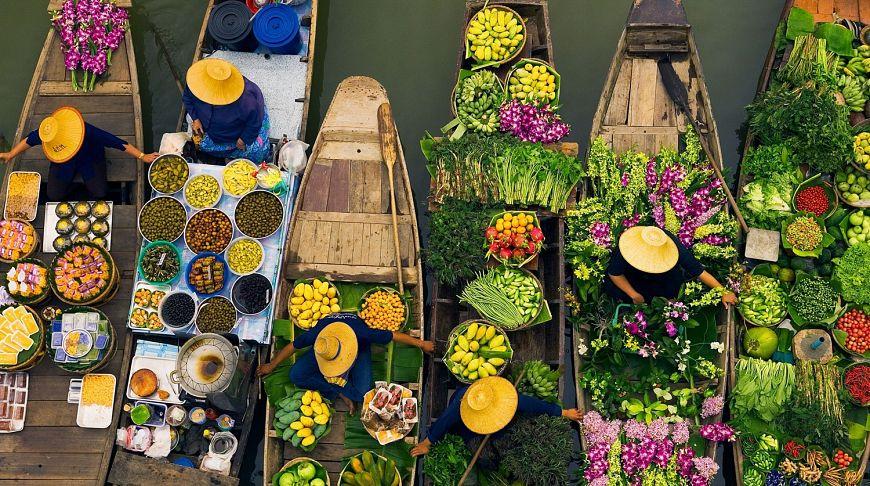 Плавучие рынки в Паттайе (Тайланд)