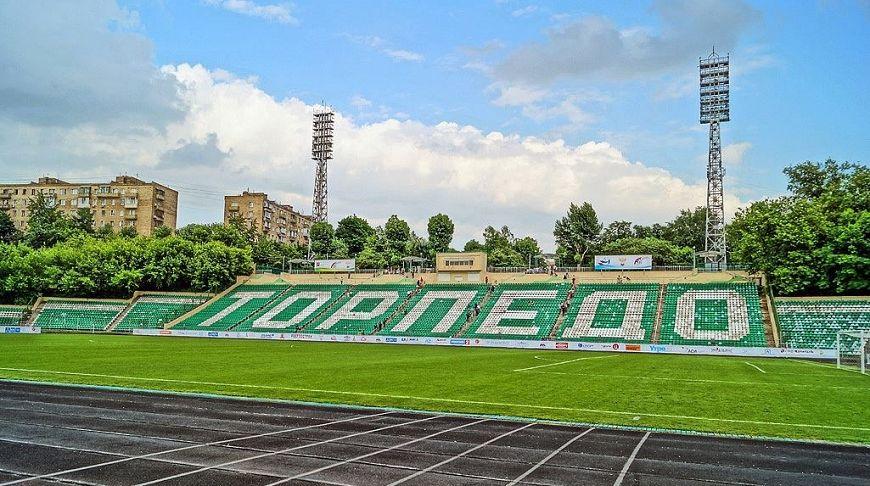 где можно поиграть в футбол в москве