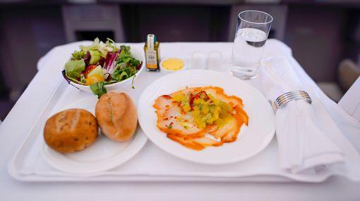 Еда в самолете, чем кормят