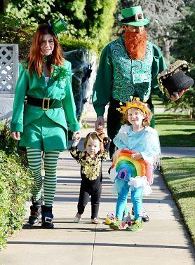 family looks on Helloween