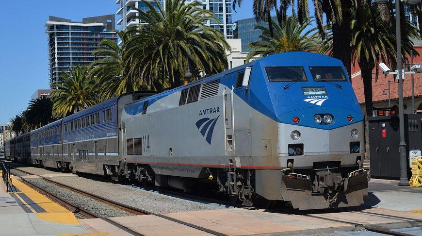 поезд транспорт
