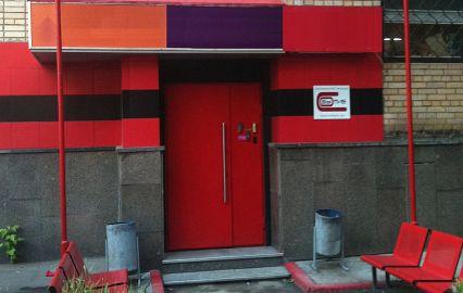 входная дверь театра