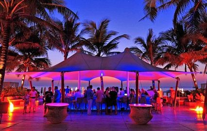 Catch Beach Club (пляж Сурин)