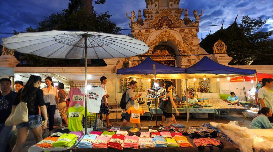 стихийный тайский рынок