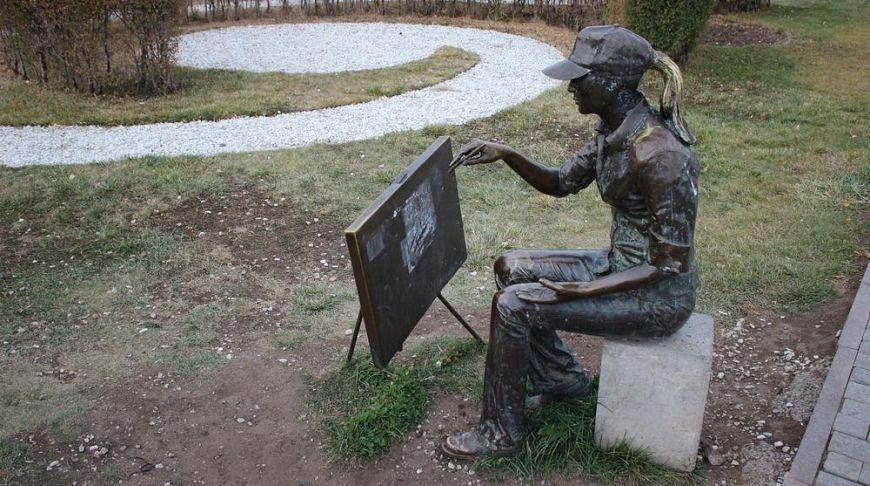 Казахстан, Астана, памятник художнице