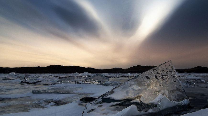 небо и льды Байкала