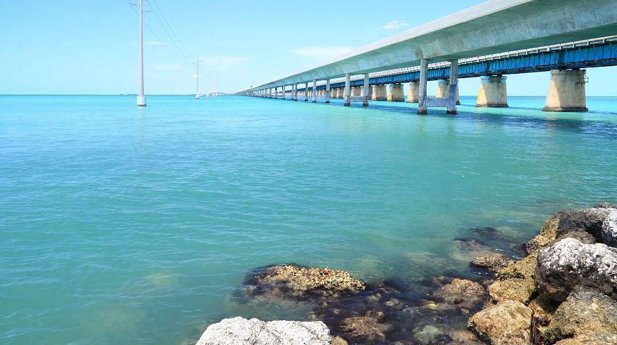 мост на море