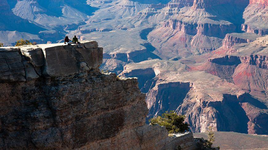 Маленькие люди в большом Каньоне, Аризона, США