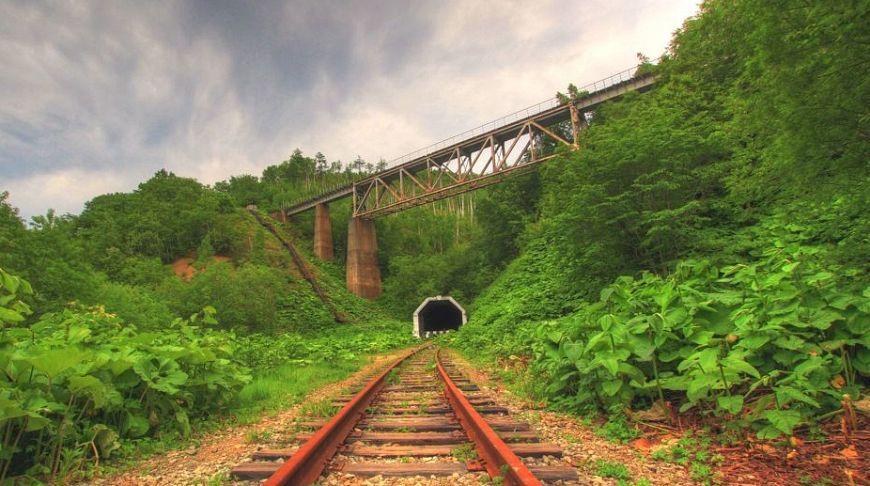 тоннель под мостом на Сахалине