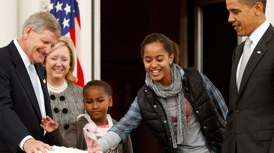 Президент Обама с дочерьми Малией и Сашей, 2009 год
