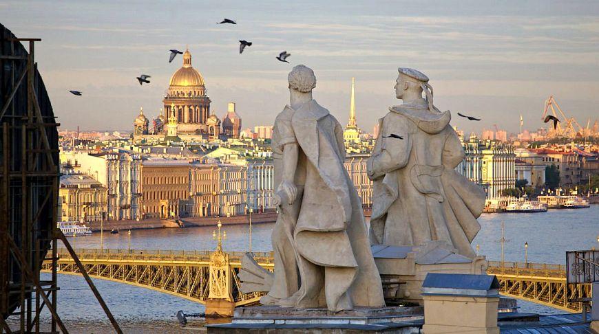 вид с крыши на Санкт-Петербург