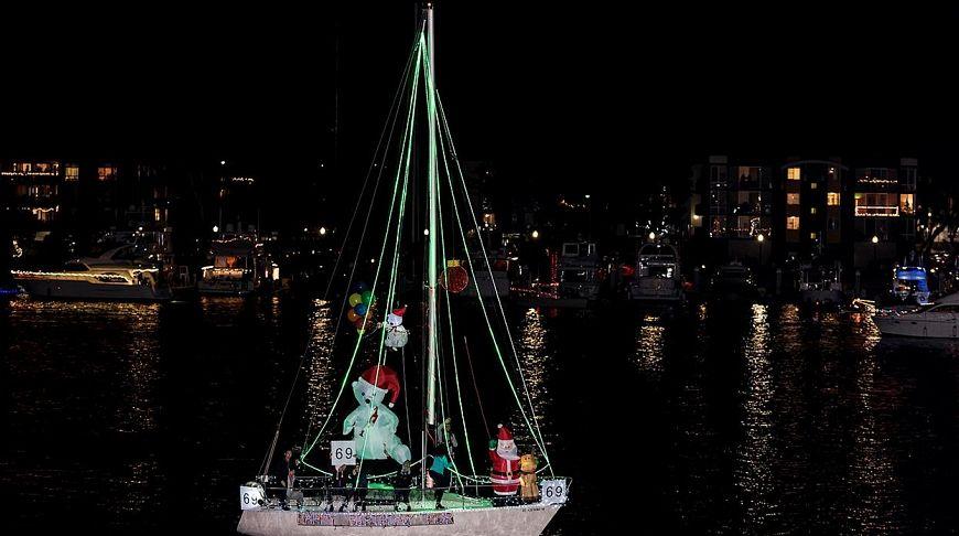Парад лодок в Марина-дель-Рей