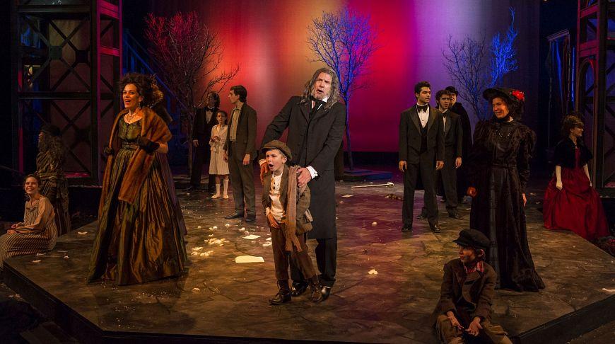 Театральная постановка «Рождественской истории» Диккенса