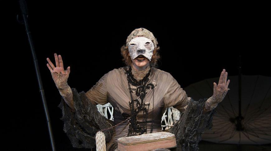 Русскоязычный спектакль «Крик лангусты»