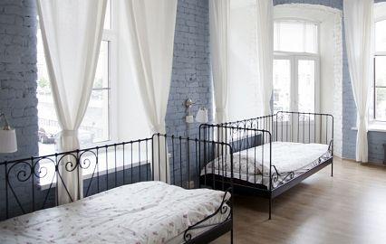 нежные кровати в белых тонах