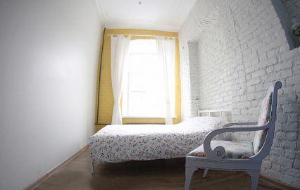 двухместный номер в хостеле Петербурга