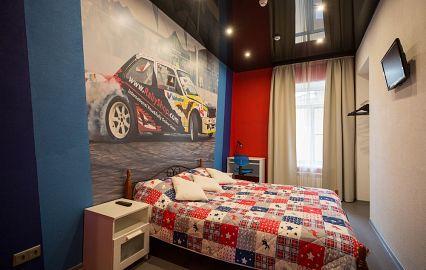 кровать мотогонщика