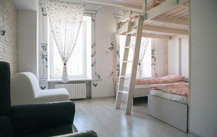 интерьер хостела в центре Петербурга