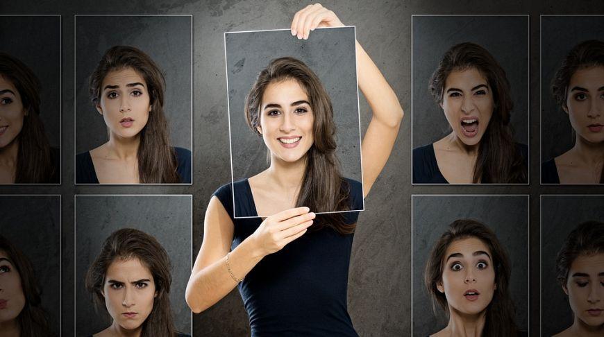 Вакансия девушка модель киев разделась на работе в вебку