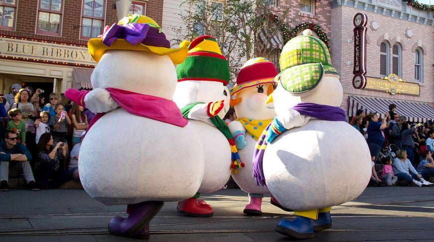 Сказочный рождественский парад в Диснейленде