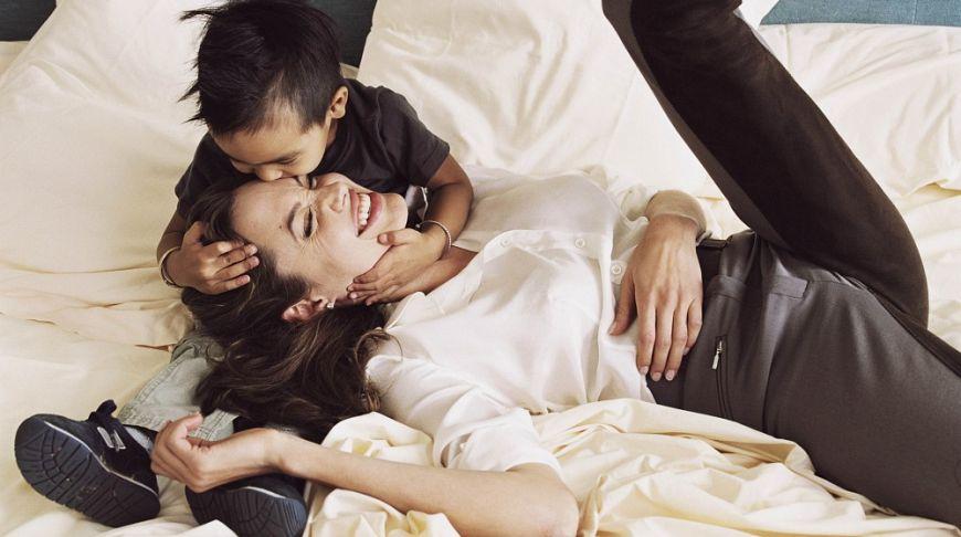 Анжелина Джоли и сын Мэддокс