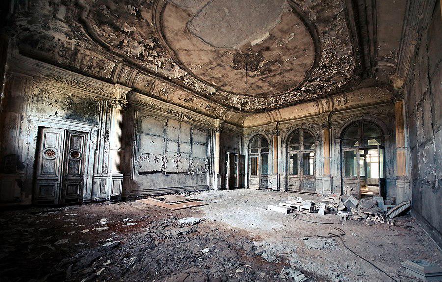 Картинки по запросу заброшенные особняки и дворцы Петербурга фото