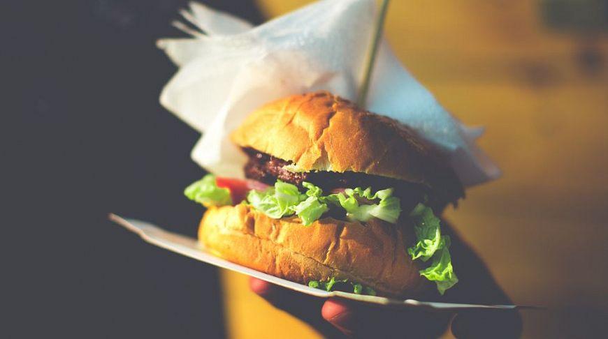 ТОП-7 мест в LA, где можно поесть за $10