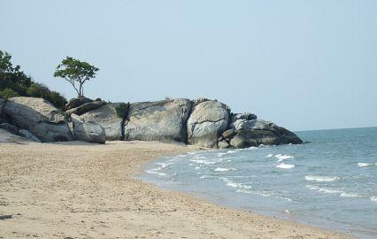 чистый пляж в паттайе