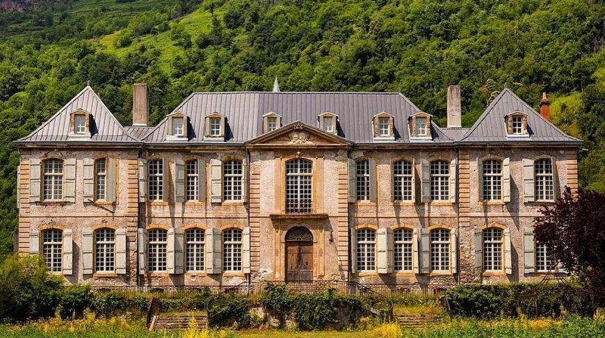 Сколько стоит купить замок у нас вы можете разместить бесплатно объявление о продаже недвижимости за рубежом