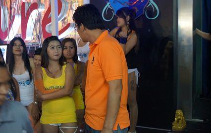 Со скольки лет разрешён секс в тайланде