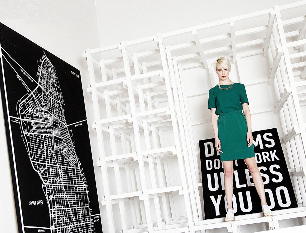 e027f23c3ec Московские шоу-румы привлекают модниц и дают возможность экономить свой  бюджет. Как может женская душа не просить обновки