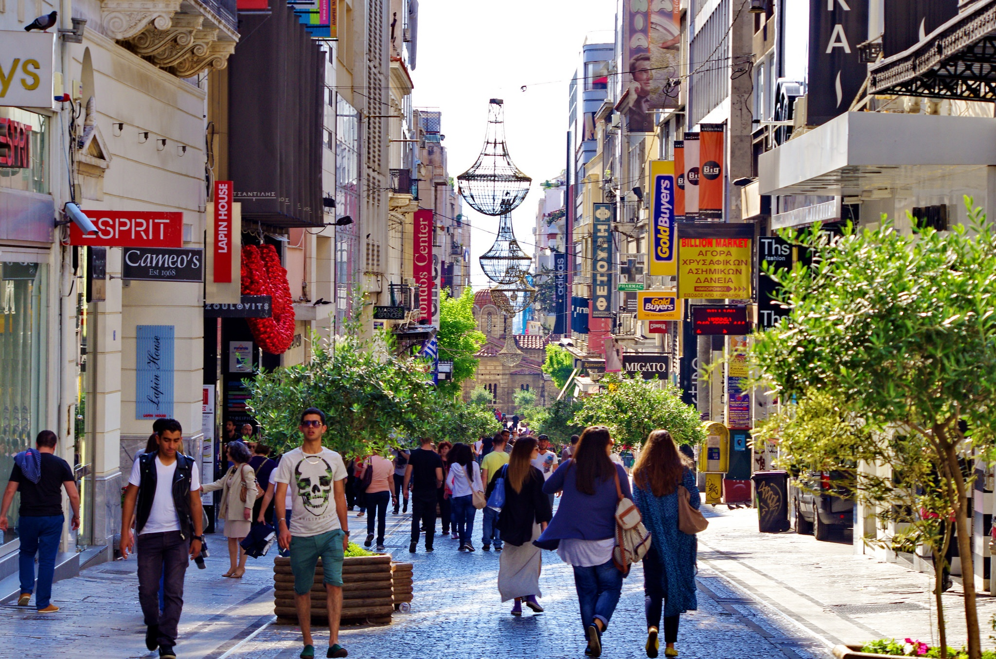 7eda92376b2 Улица Эрму (Ermou Street) в Афинах