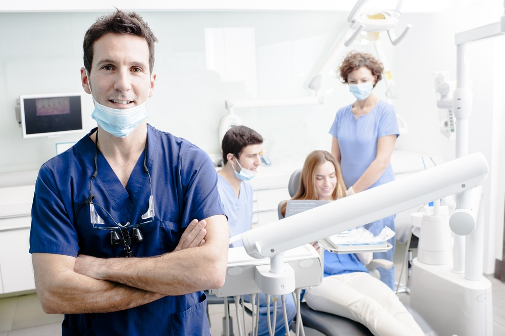 professional interview dental Most dental schools require personal interviews with applicants to assess qualities such as dress to impress dress in business professional attire men should wear a suit or a coat and tie.