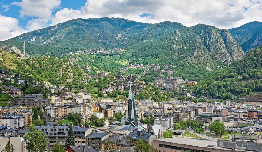 Маленькая страна с огромным потенциалом: бизнес, ВНЖ и гражданство в Андорре