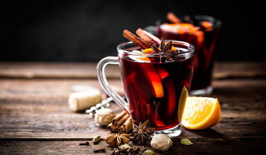Согреет лучше чая: 6 рецептов глинтвейна от популярных заведений Киева