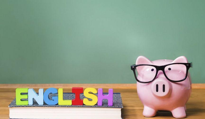 In English, please: горячая десятка языковых школ Паттайи