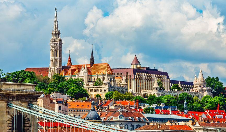 Недвижимость и уровень жизни в Австрии и Венгрии: сравнение цен на жилье и продукты