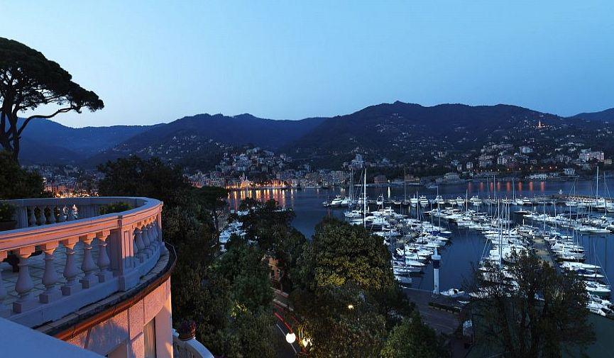 Величественный Excelsior Palace Hotel для респектабельного отдыха в Рапалло