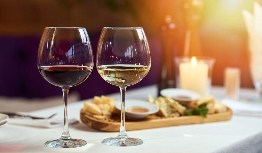 «Террасный сезон» открыт: 6 заведений Киева, где можно наслаждаться блюдами на свежем воздухе