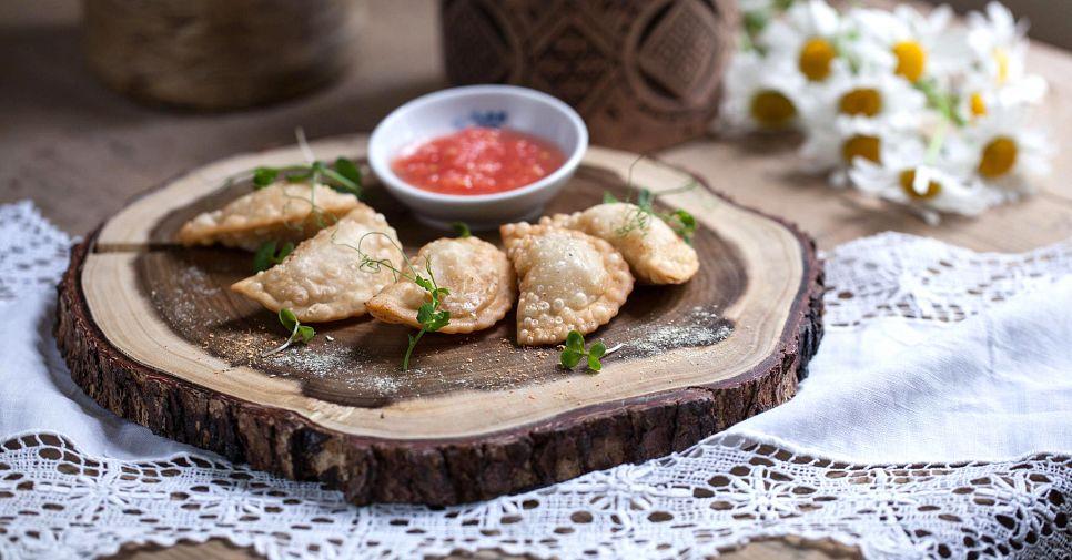 Штрумбы и кундюмы: где отведать старорусскую кухню в Москве