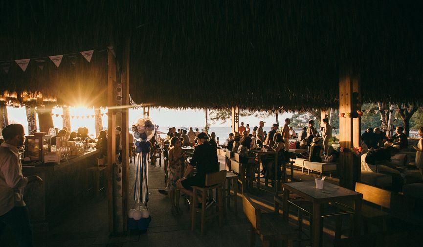 Café Del Mar Phuket: тропический рай на острове