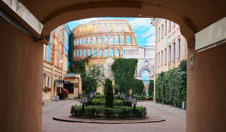 Больше красок любимому городу! ТОП-10 граффити Петербурга