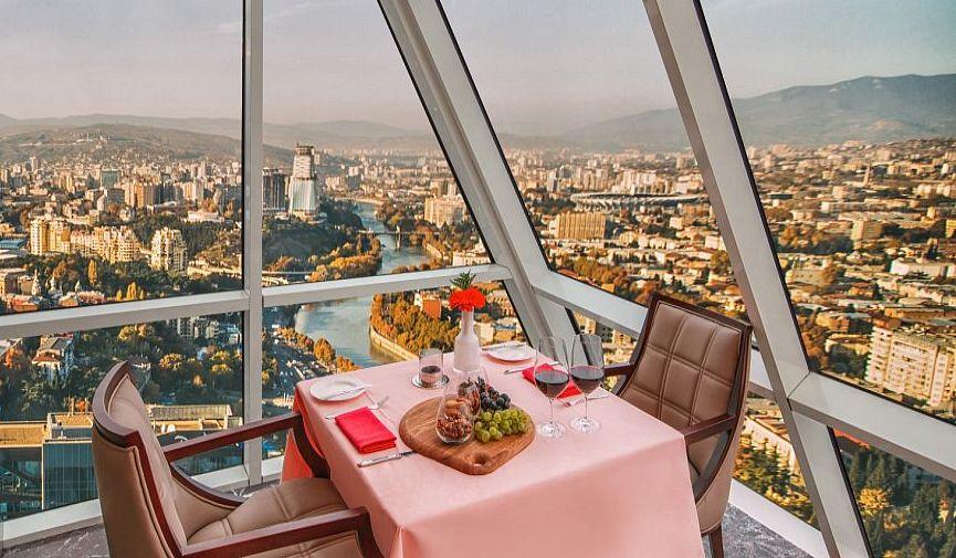 Колоритный отдых класса люкс в новом отеле The Biltmore Hotel в Тбилиси